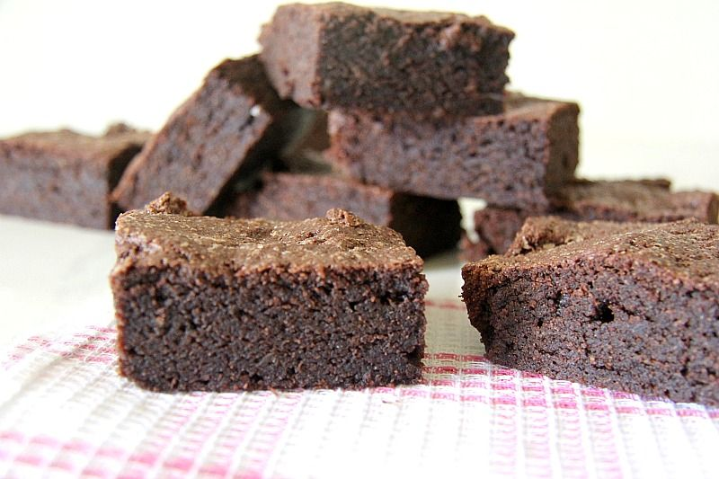 flourless brownies made with almond butter