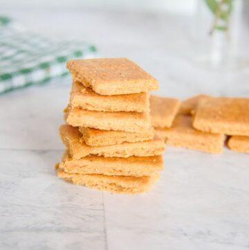 keto cheese cracker