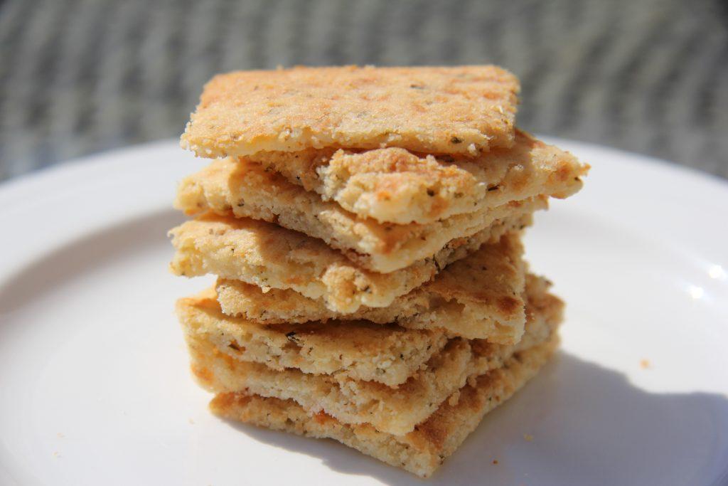 garlic cheese crackers
