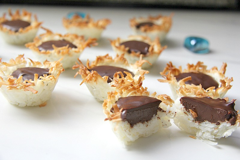 Coconut crusted tartlet filled with chocolate