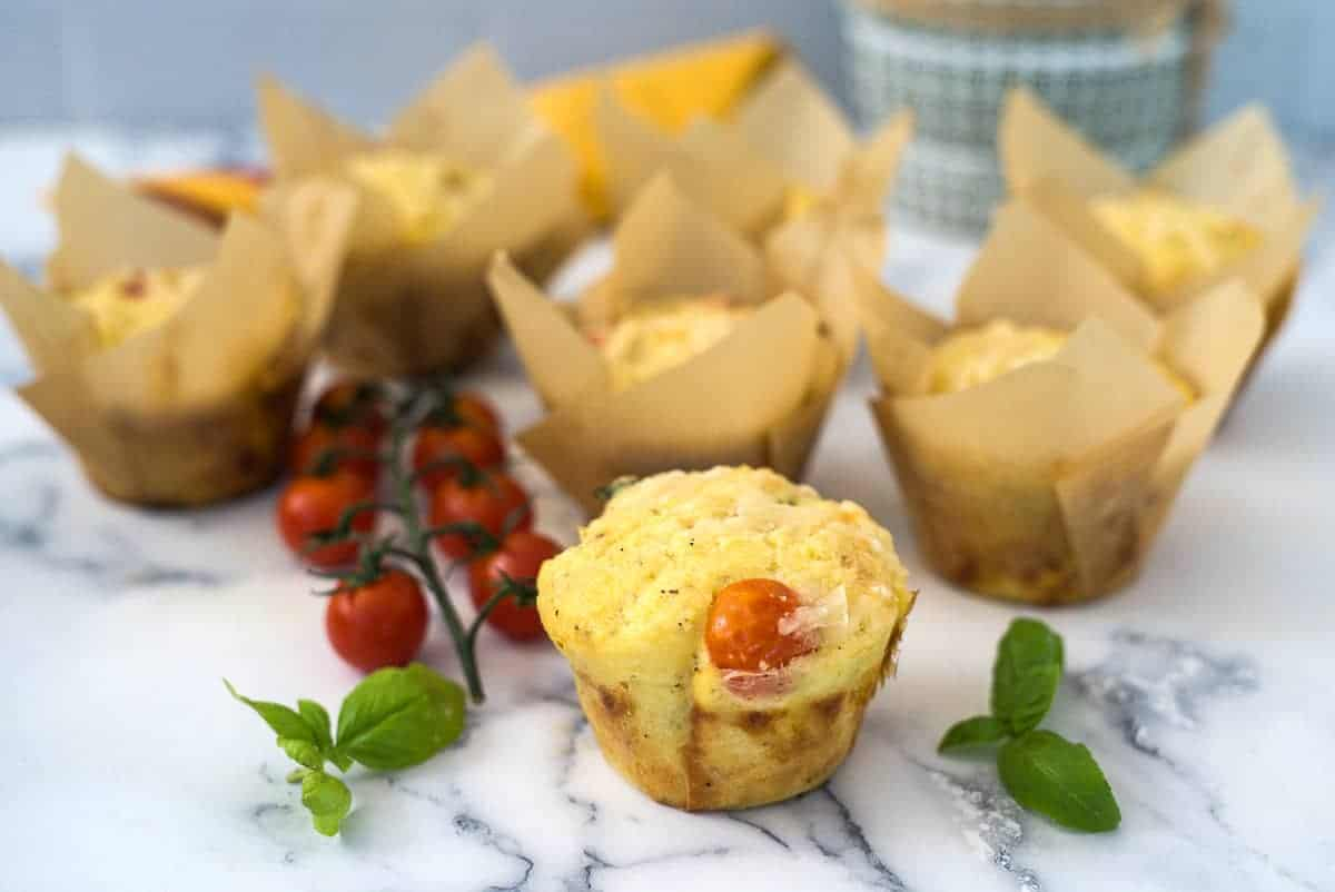 tomato basil muffin