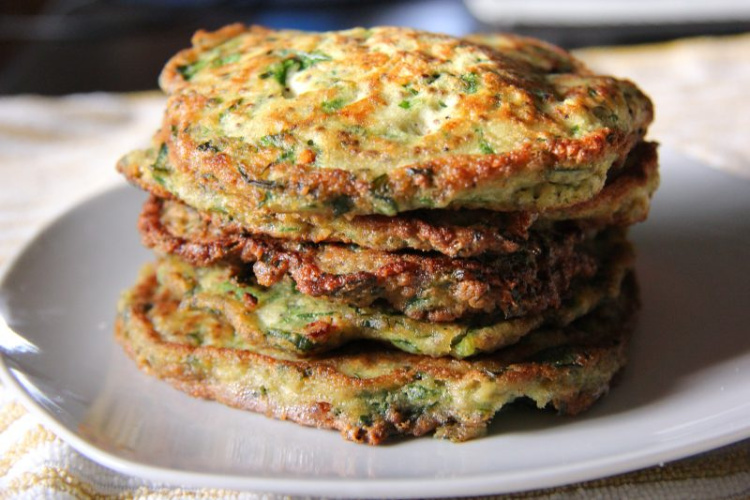 savoury spinach pancakes with coconut flour