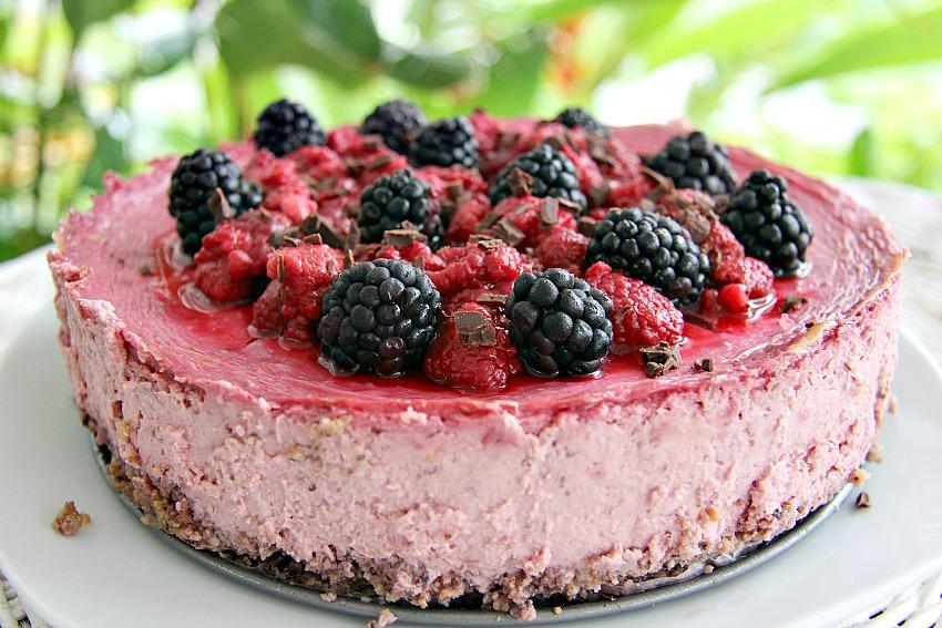 Raspberry cheesecake hazelnut crust