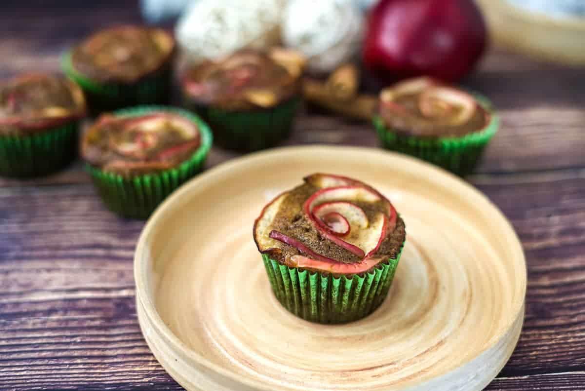 apple roses cupcake