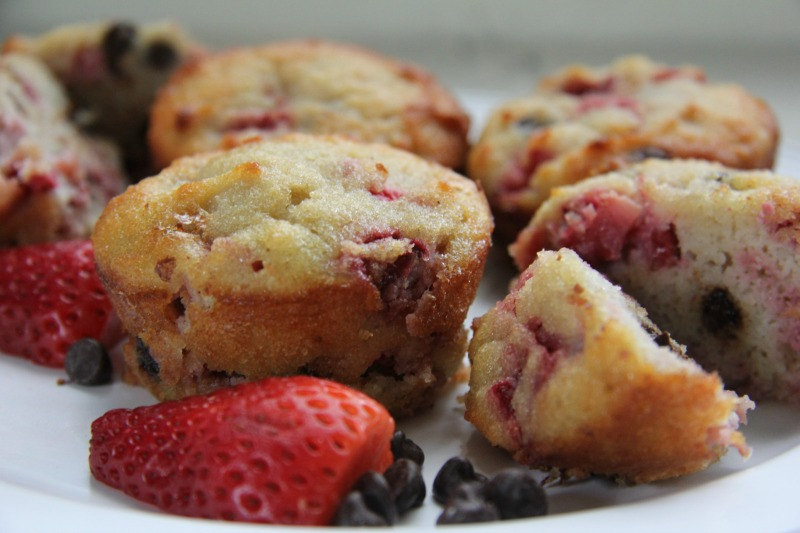 strawberry-chocolate-muffin