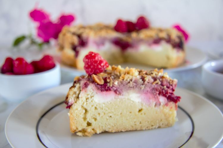 raspberry almond crumble cake