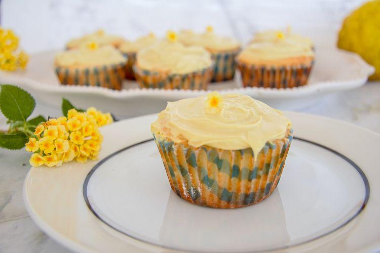 coconut flour lemon cupcakes