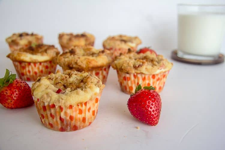 strawberry muffins with a cinnamon crumble topping