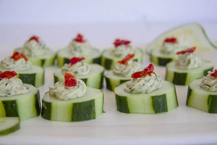 cucumber bites with basil cream cheese