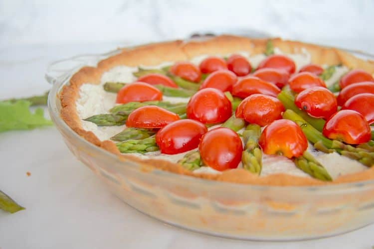 asparagus tart with tomatoes