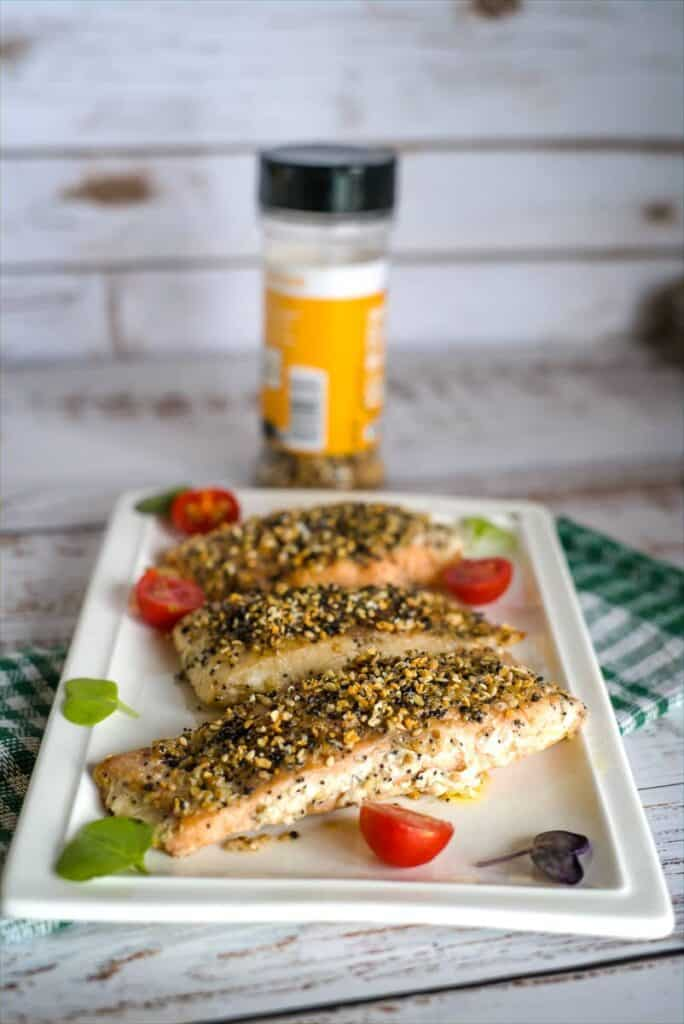 salmon fillets with everything bagel seasoning