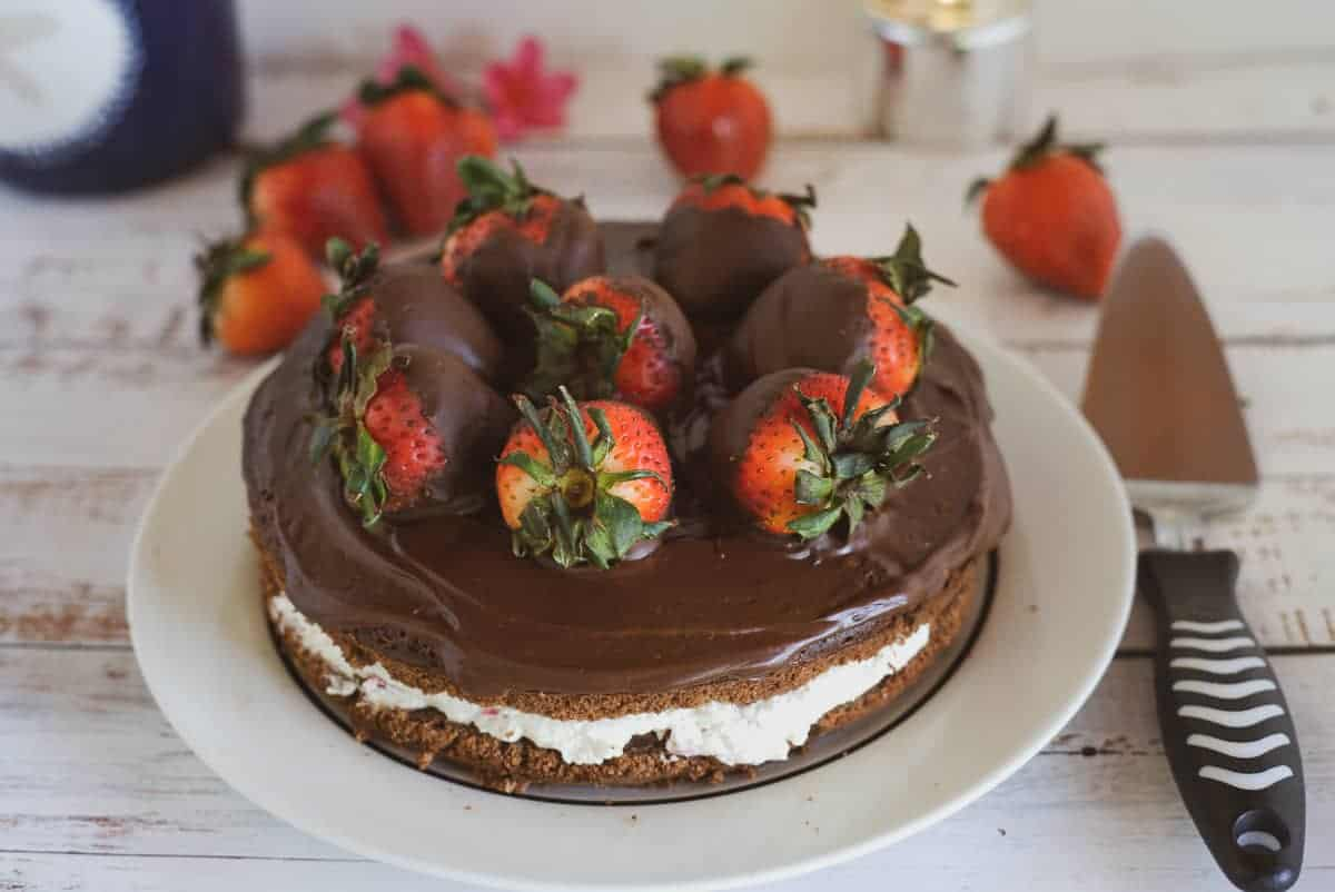 chocolate covered strawberries cake