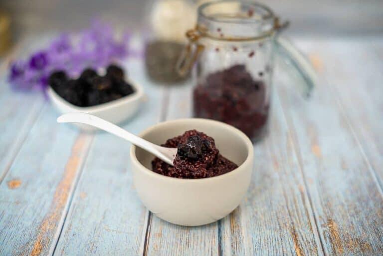 blackberry chia jam in bowl
