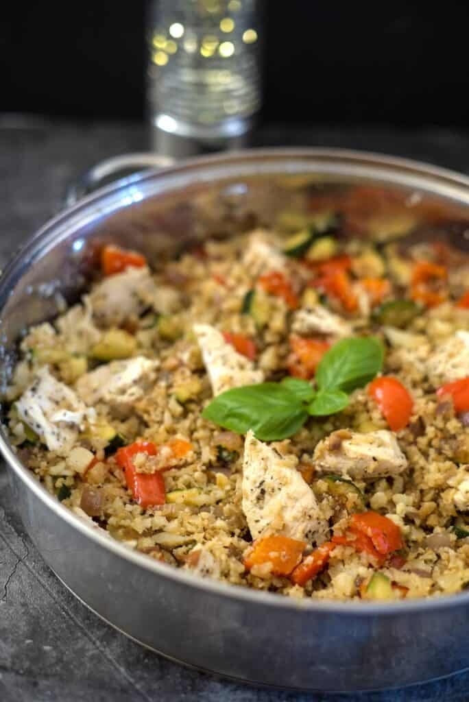 cauliflower rice with chicken and vegetables